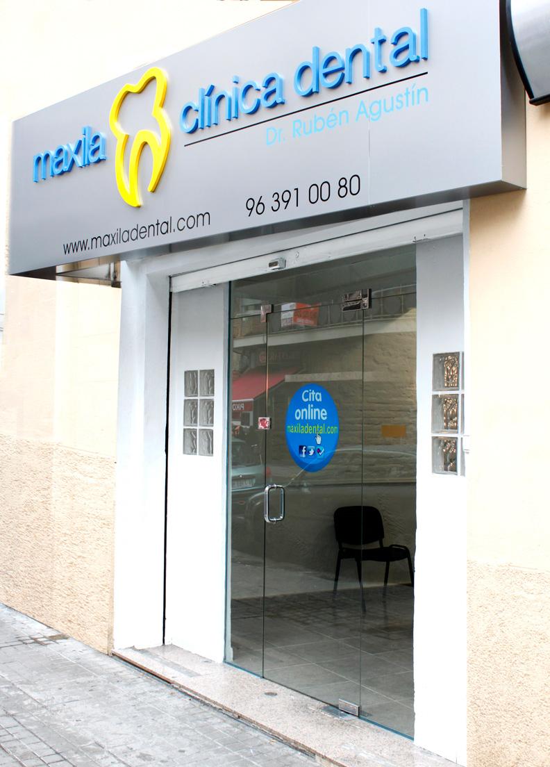 Instalaciones m ster en periodoncia y osteointegraci n - Fachadas clinicas dentales ...